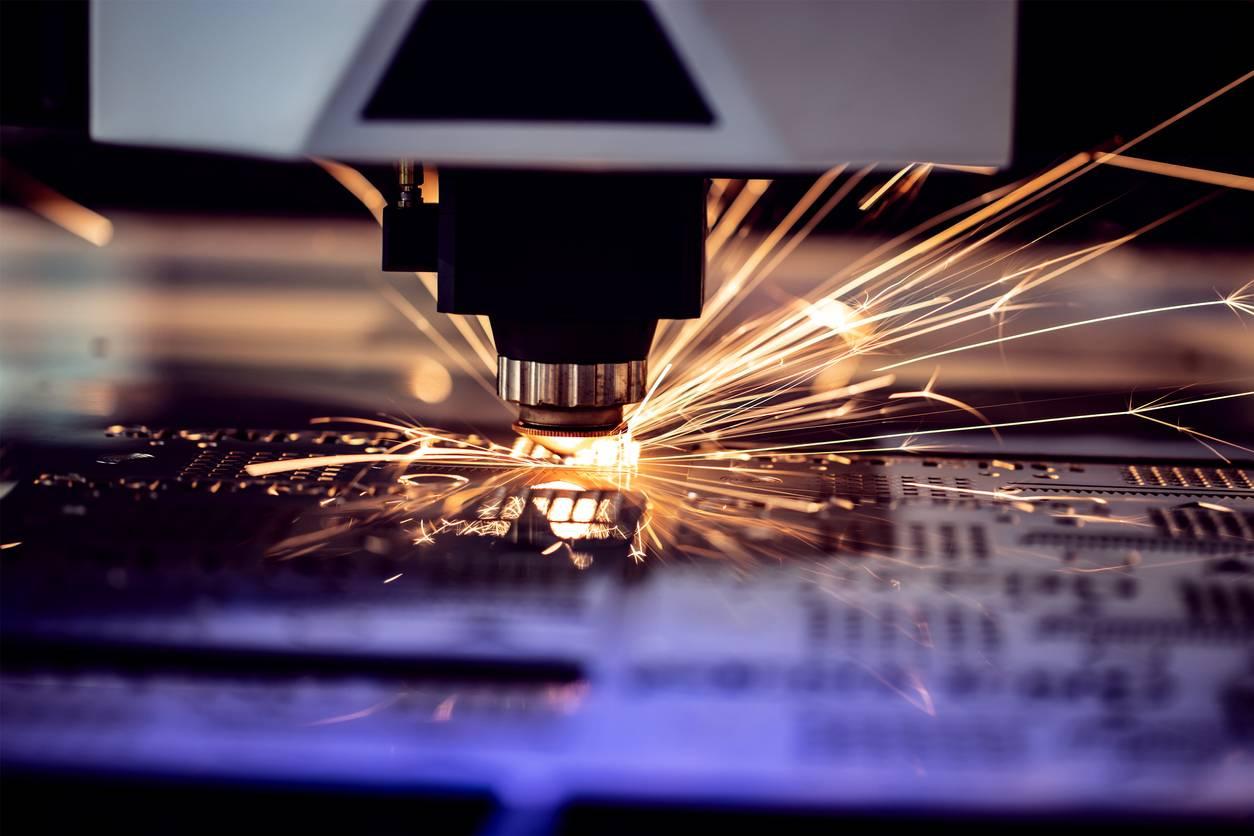 machine découpe laser industrielle